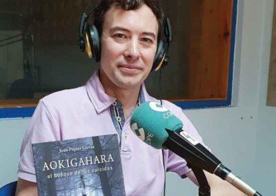 En Cadena Cope para hablar del libro Aokigahara